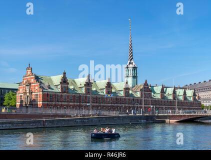 River cruise on the Slotholmens canal looking towards the Børsen (Stock Exchange), Copenhagen, Denmark - Stock Image