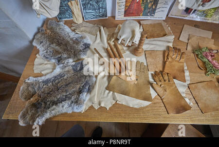 shakespeare's bithplace glovemaking - Stock Image
