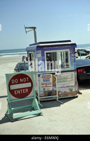 Portable kiosk at car entrance to Daytona Beach, Florida, USA - Stock Image