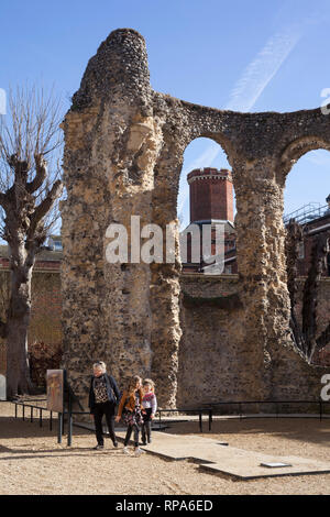 The ruins of Reading Abbey with Reading Prison behind. - Stock Image