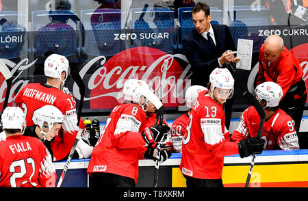 Swiss head coach Patrick Fischer instructs his players the match between Switzerland and Norway within the 2019 IIHF World Championship in Bratislava, Slovakia, on May 15, 2019. (CTK Photo/Vit Simanek) - Stock Image