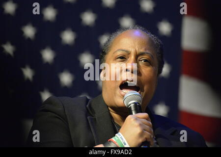 Port Washington, New York, USA. 11th April 2016. MARIE DELUS, who lost her nephew in Queens shooting, speaks on - Stock Image