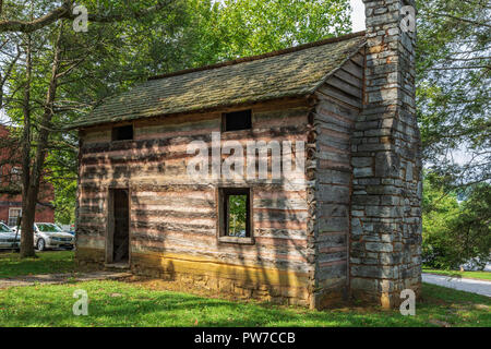 Greeneville, TN, USA-10-2-18: Replica of the original Capitol building of the short-lived (1785-1781) State of Franklin, in Greeneville. - Stock Image