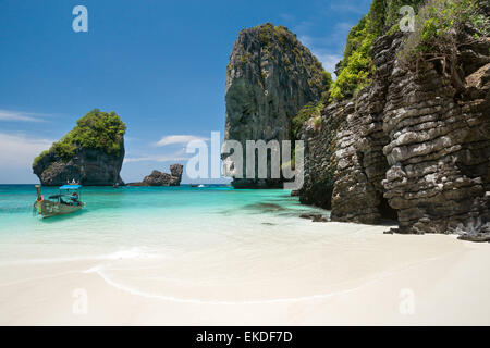 Koh Phi Phi Don island : Nui Bay (Thailand) - Stock Image