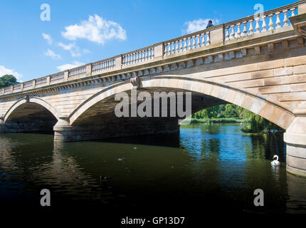 Bridge over the Serpentine, Hyde Park, London - Stock Image