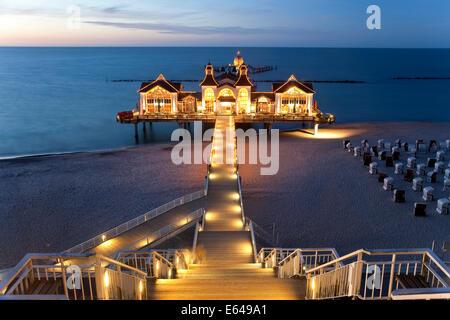 Pier at Sellin, Rugen Island, Baltic coast, Mecklenburg-Western Pomerania, Germany - Stock Image