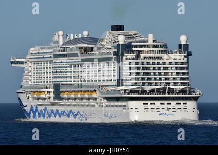 AIDAprima passing Cuxhaven - Stock Image