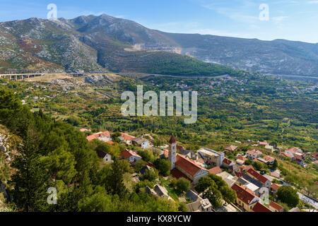 Klis Varos Village, D1 road & Mosor Mountain range near Split, Croatia - Stock Image