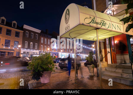 USA Maryland Baltimore Fells Point The Admiral Fell Inn hotel entrance at night - Stock Image