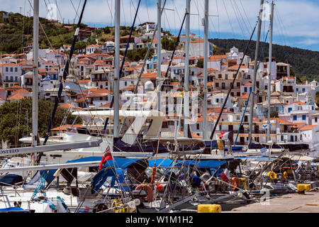 Yachts moored in Skopelos Harbour, Northern Sporades Greece. - Stock Image