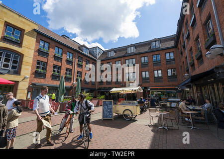 Quayside shops and apartments courtyard Cambridge 2019 - Stock Image