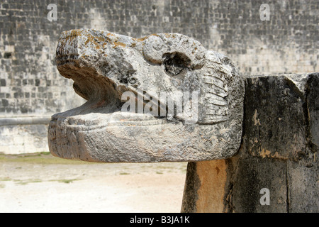 Serpent's Head at the Great Ballcourt, Juego de Pelota, Chichen Itza, Yucatan Peninsular, Mexico - Stock Image