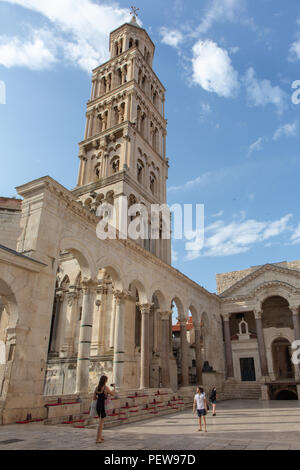 Split, Croatia. Cathedral of Saint Domnius bell tower and the ancient peristyle. - Stock Image