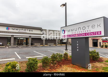 HICKORY, NC, USA-2/17/19: The Immunotek Plasma Donation Center is a global leader in plasma supply, currently with 19 centers in the southeast US. - Stock Image