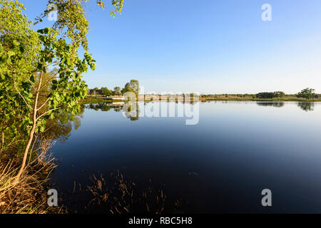 Dam on the Cumberland Creek with a birdwatching platform in the background, Cumberland Chimney near Georgetown, Savannah Way, Queensland, QLD, Austral - Stock Image