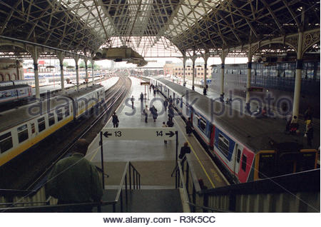 London Bridge railway station prior to redevelopment between 2009-2017, showing the Grade II listed train shed roof structure. London, UK in May 2000. - Stock Image
