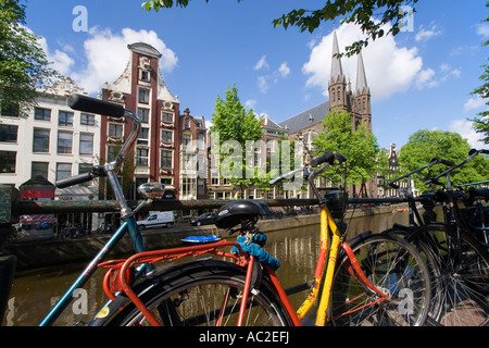 Amsterdam Single Gracht bicycles - Stock Image