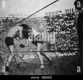 Boxing match for the World Lightweight Title, between Adolphus (Michigan Wildcat) Wolgast and Mexican Joe Rivers, in Los Angeles, USA, on 4 July 1912. Wolgast won. - Stock Image