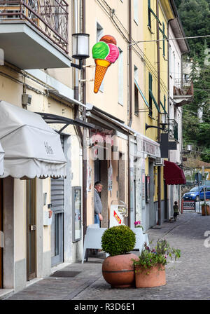 An old-fashioned gelato shop on the edge of old-town Aulla, Tuscany, Italy. - Stock Image
