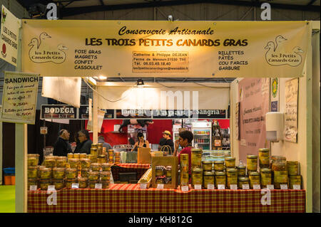 Stand selling foie gras and other duck products, Toulouse, Occitanie, France - Stock Image