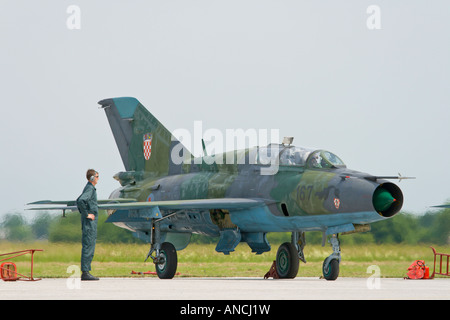 Croatian Air Force MiG-21 UMD '167' shooting down engine - Stock Image