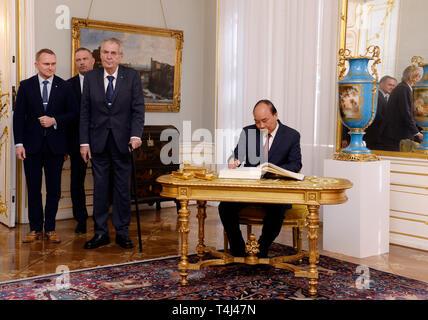 Prague, Czech Republic. 17th Apr, 2019. President Milos Zeman (centre) meets Vietnamese PM Nguyen Xuan Phuc (right) in Prague, Czech Republic, April 17, 2019. Credit: Katerina Sulova/CTK Photo/Alamy Live News - Stock Image
