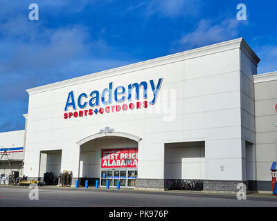 Academy Sports and Outdoors exterior front entrance and corporate logo sign in Montgomery Alabama, USA. - Stock Image