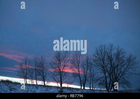 Chinook clouds over Nose Hill Park, brought by a warm dry wind originating in the lee of the Rocky Mountains to the west - Stock Image