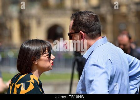 Beth Rigby (Political editor, Sky News) talking to Will Walden (MD Public Affairs & Government Relations, Edelman UK) on College Green, Westminster, 2 - Stock Image