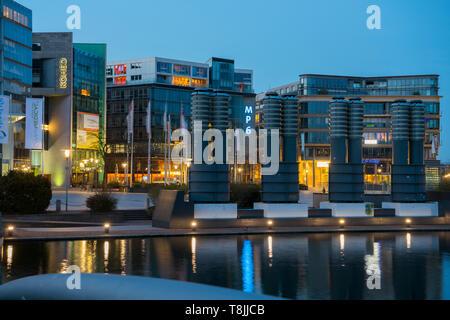 Deutschland, Köln, Media Park, Bürogebäude - Stock Image
