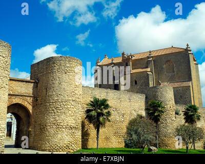 Gateway and walls of Ronda - Stock Image