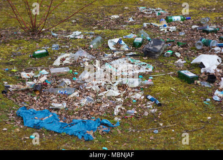 Litter dumped outside - Stock Image