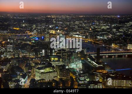 View over Tate Modern, River Thames, London at dusk, London, UK - Stock Image