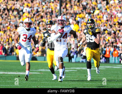 Pasadena, CA. 01st Jan, 2016. Stanford Cardinal cornerback Quenton Meeks #24 of Stanford returns an interception - Stock Image