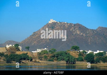 Monsoon Palace, Lake Pichola, Udaipur, Rajasthan, India - Stock Image