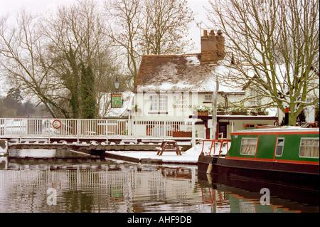 The Three Horseshoes Public House at Winkwell, Hemel Hempstead, Hertfordshire - Stock Image