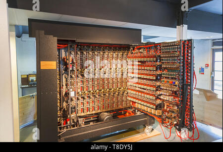 Reconstruction of the Turing Bombe in Bletchley Park, once the top-secret home of the World War Two Codebreakers, now a leading heritage attraction - Stock Image