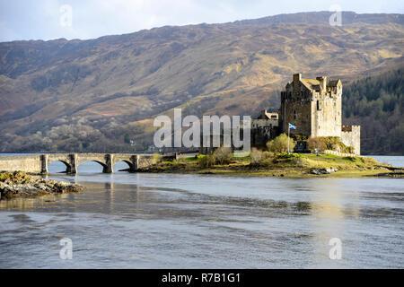 Eilean Donan Castle at the conjuction of Loch Duich, Loch Alsh and Loch Long near Dornie in Wester Ross, Highland Region, Scotland - Stock Image