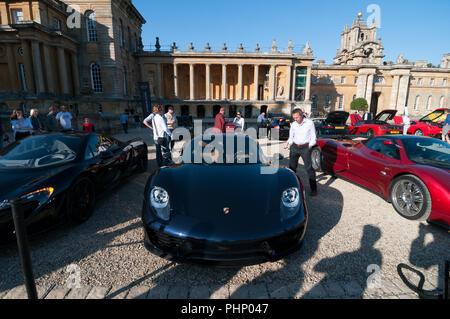 Woodstock, Oxfordshire, UK. 02nd Sep, 2018. Porsche 918 Spyder at the Salon Prive Concours, Blenheim Palace Classic and Supercar event, Woodstock, Oxfordshire, 2nd Sep 2018 Credit: Stanislav Halcin/Alamy Live News - Stock Image