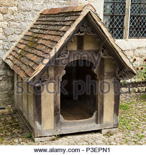 Large old Victorian Dog Kennel, Ightham Mote, Sevenoaks, Kent, England, UK - Stock Image