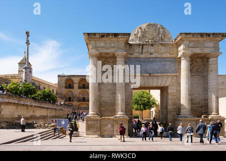 North end of Roman Bridge with gate to city entrance, triumphal arch; Cordoba, Andalucia, Spain - Stock Image