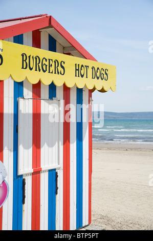 Beach Kiosk on Weymouth Beach, Dorset, UK. - Stock Image