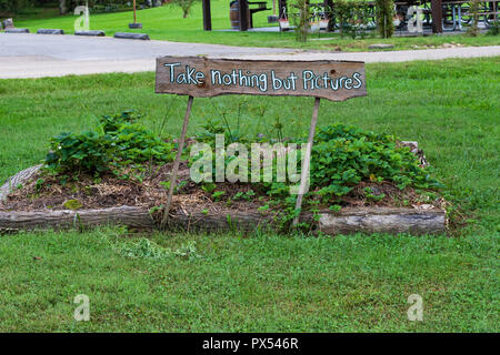 LIMESTONE, TN, USA-9/29/18: A sign at a small garden at David Crockett Birthplace State Park  warning 'Take Nothing but Pictures'. - Stock Image