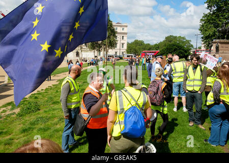 London, UK , 2 July 2016: Briefing of stewards before the start of the March for Europe at Hyde Park Corner. Protesters - Stock Image