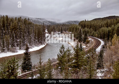 Rocky Mountains Winter Fall Morants Curve - Stock Image