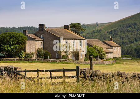 UK, Yorkshire, Wharfedale, Bolton Abbey Estate, The Riddings, stone built farmhouse - Stock Image