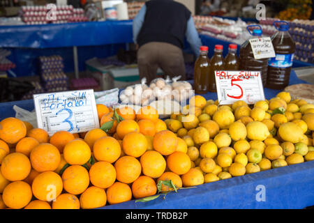 Fresh fruit stall at the indoor market, Marmaris, Mugla province, Turkey - Stock Image