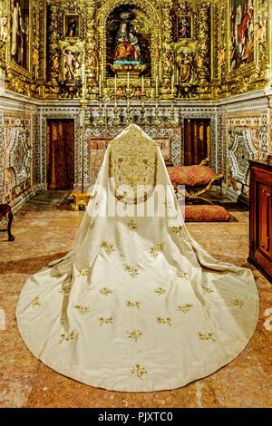 Bishops Robes Lisbon  Cathedral Portugal - Stock Image