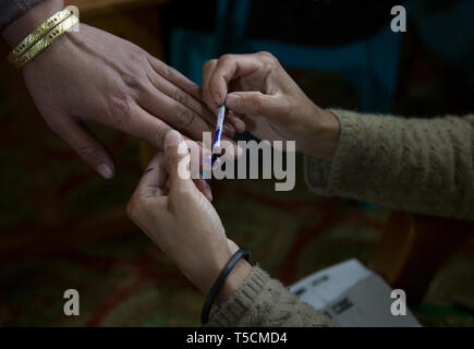 (190423) -- SRINAGAR, April 23, 2019 (Xinhua) -- A voter's finger is marked at a polling station at Brimar village of Anantnag district, about 80 km south of Srinagar, the summer capital of Indian-controlled Kashmir, April 23, 2019. Voting began Tuesday in Anantnag district of Indian-controlled Kashmir during the third phase of India's 17th general elections. (Xinhua/Javed Dar) - Stock Image