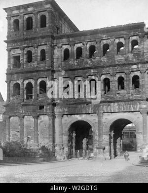 PORTA NIGRA, A WELL-PRESERVED town gate with towers of defense and finest of Roman structures ca. 1/9/1919 - Stock Image